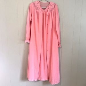 VTG 70s Shadowline Pink Nylon Gown and Robe Set